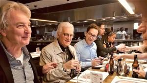 Niente di meglio di una cena tra amici, vecchi e nuovi, legati dalla semplice passione e voglia di stare insieme!